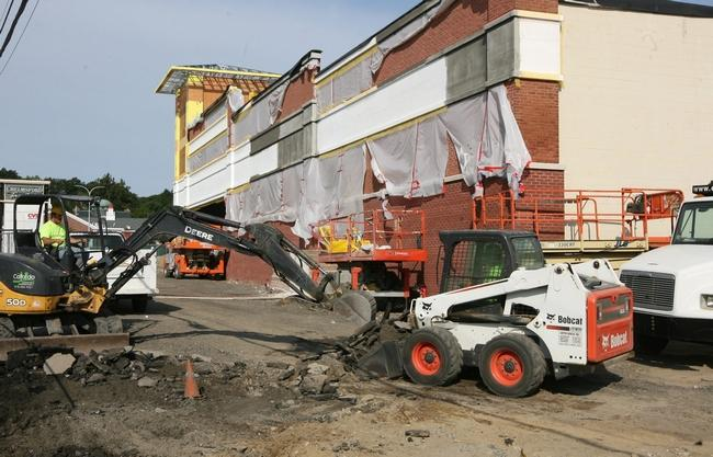 Plaza nears completion in Chelmsford's Center Village